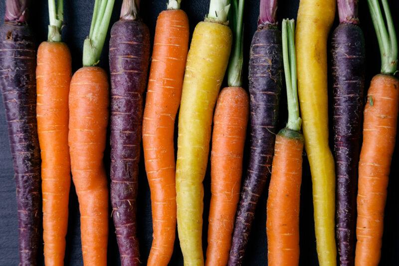 """Imagen del post """"Zanahoria morada y otras curiosidades de la zanahoria"""" del blog de Frutas Olivar"""