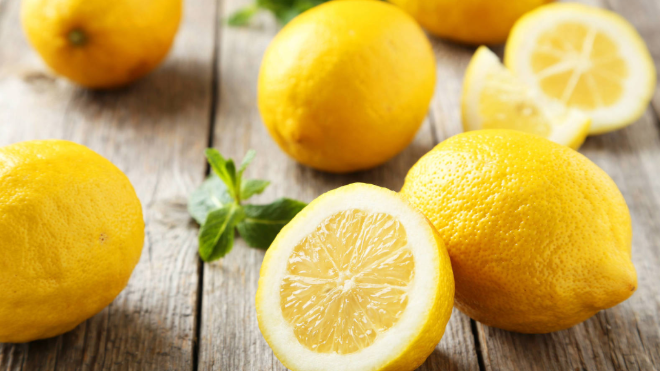 El limón es una fruta